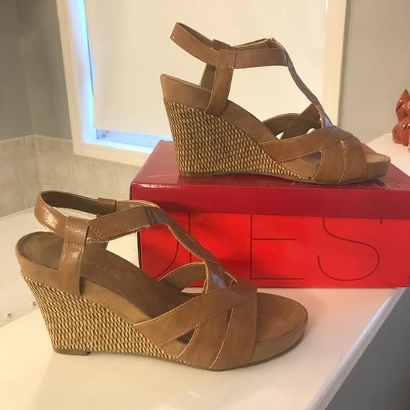 0c1bda4ac1 AEROSOLES Shoes | Wedge Tan Sandals | Poshmark